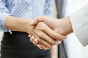 business_women_professional_handshake_consulting