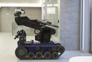 military_police_bomb_safety_robot