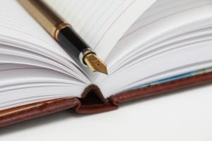 writing_book_fountainpen